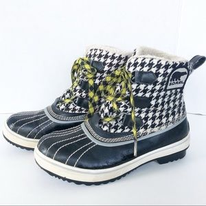 Sorel HoundsTooth Fabric Upper w Leather Trim Boot